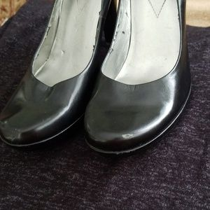 Guess Shoes - GUESS black leather high-heeled pumps